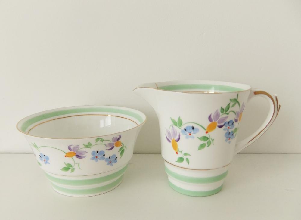Art Deco china - Art Deco sugar bowl and milk jug - Roslyn China